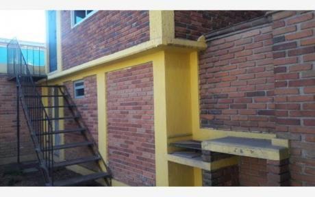 Barrio Jara-zona Universidad Americana- Tipo Departamento- 3 Habitaciones Con 3