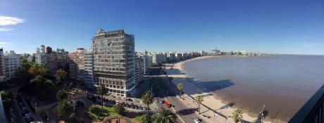 Plaza Gomensoro Y Mar Estilo Y Categoría