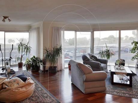 Divino Apartamento Sobre Rambla Con Espectacular Vista.