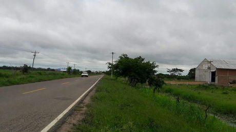 terreno Sobre Carretera A Okinawa