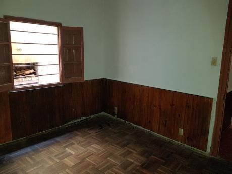 Un Dormitorio Y Parrillero, Gastos Comunes Bajos!!