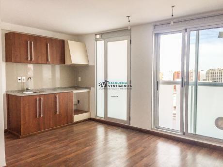 Apartamento De 2 Dormitorios Y 2 Baños En Alquiler – Pocitos Nuevo