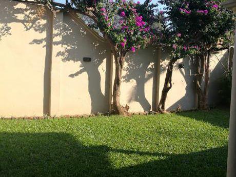 Tierra Inmobiliaria - Hermosa Y Amplia Casa En Lambare!