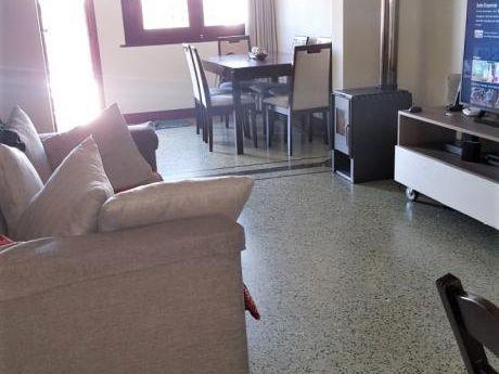 Vendo Casa Dos Dormitorios Jardín Fondo Con Parrillero