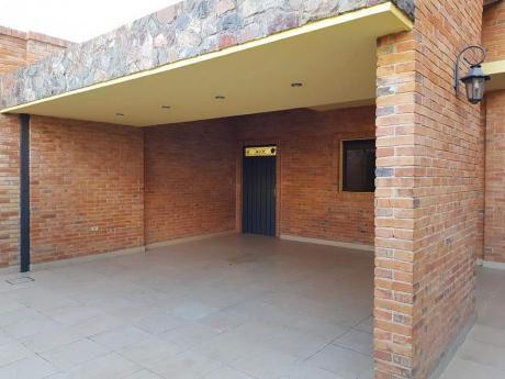 Alquilo Residencia A Cuadras De FéLIX Bogado - Asunción