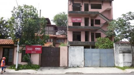 Terreno Con Bloques De Oficinas Y Hotel En Construcción