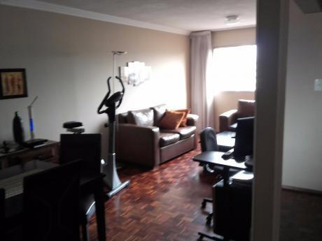 Impecable Apartamento De 3 Dormitorios En Pocitos