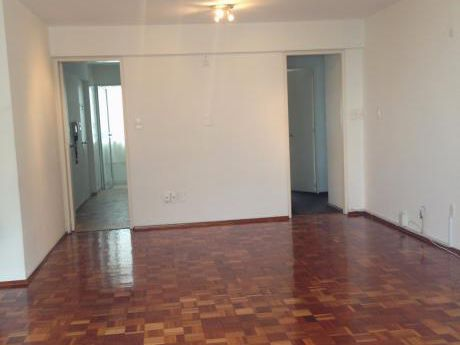 Apartamento 7° Piso, 3 Hab., Pocitos.