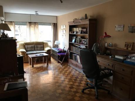 Apartamento En Pocitos ( Rivera Y Pereira )