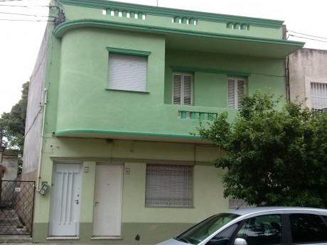 Casa De Altos En Turini Y Manuel Correa