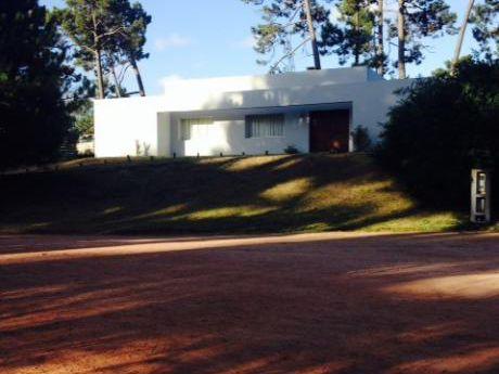 Casa En La Arbolada