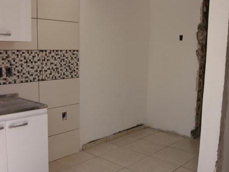 Venta 4 Apartamentos + 3 Cocheras En Pu. Ideal Inversor