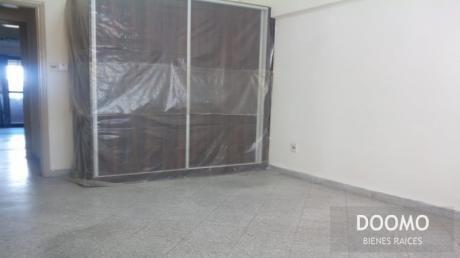 En Alquiler Departamento De 3 Dormitorios Con Aa Y Placar En El Centro