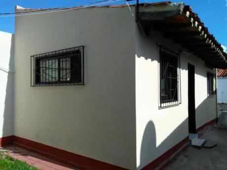 Alquilo Monoambiente En Barrio Santa Maria