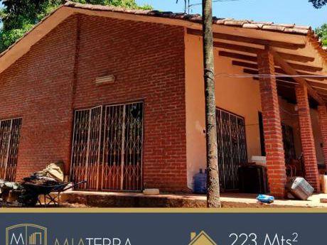 Hermosa Casa Quinta En Venta Con 2404 M2 En Esquina
