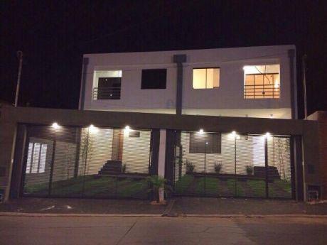 Vendo Hermosos Y Amplios Duplex Zona Mcal López Y Santa Teresa.