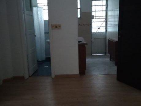 Apto 2 Dormitorios,azotea,lavadero. Jacinto Vera
