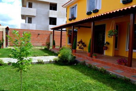 P64 Casa En Venta - Villa Angelica