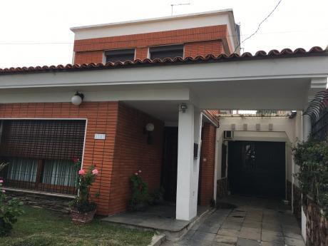 Casa 2 Dormitorios En El Cerrito