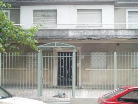 Joanico Y Comercio, Muy Buen Estado, 1ºer Piso,gc:$1000