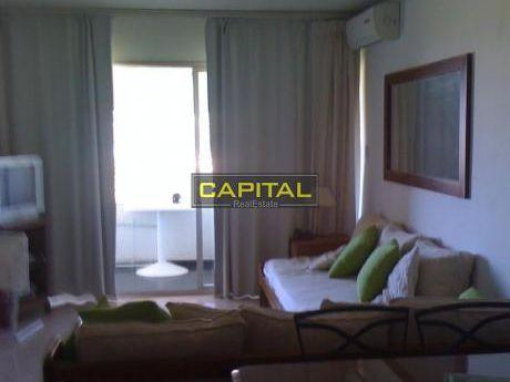 Apartamento En Playa Mansa Frente Al Mar
