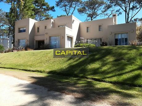 Casa Laguna Blanca - Montoya