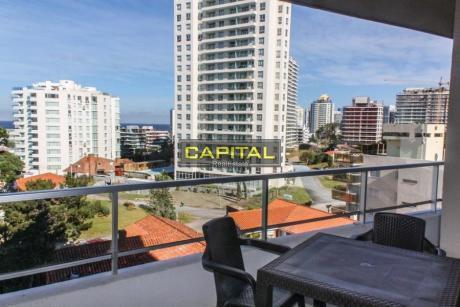 Moderno Apartamento De 2 Dormitorios A Metros Del Mar!