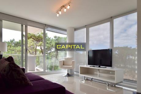 Moderno Apartamento De 2 Dormitorios En La Brava Con Muy Buenos Servicios!