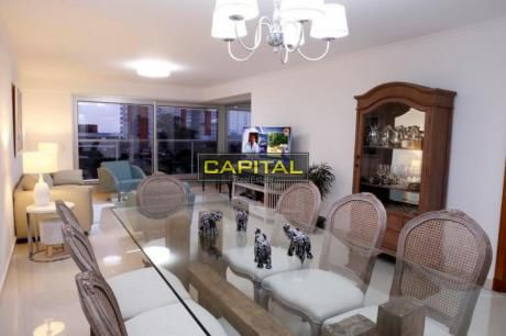 Excelente Apartamento De 3 Dormitorios En Playa Mansa - Miami Boulevard