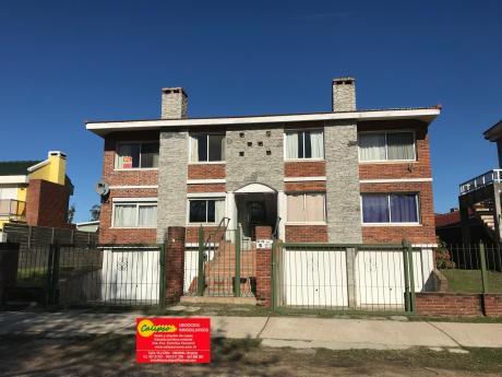 Alquiler Anual - Apartamento - 2 Dormitorios - Con Cochera-