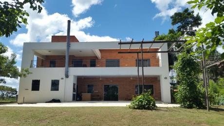Vendo Residencia. Country Carlos Franco.