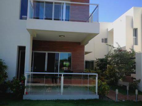 Condpminio Los Mangales Vendo Casa
