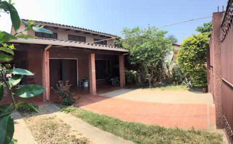 Casa En Venta -  Montero .  En El Centro De La Ciudad