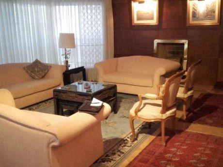 Estupendo Apartamento Amueblado En Villa Biarritz Con Gran Vista Al Parque