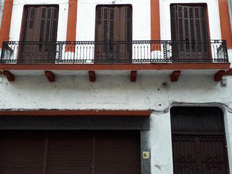 Hotel Mas Local Comercial  En Ciudad Vieja