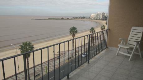 Apartamento 2 Dormitorios, 2 Baños, Garaje, Servicio, Amueblado, Pocitos