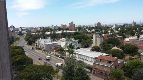 Apartamento En Alquiler En La Blanqueada, Sobre Avenida Italia Y Francisco Simón