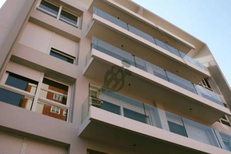 Apartamento En Venta A Estrenar En Buceo, Sobre La Calle Verdi A Una Cuadra De La Rambla Y Una Y Media De General Rivera.
