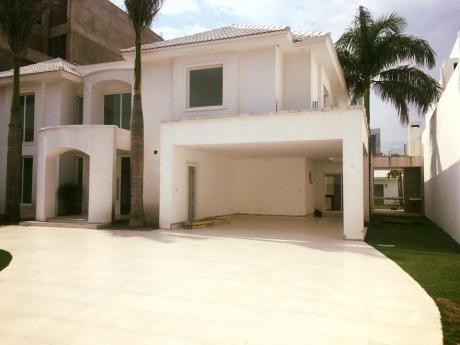 Hermosa Casa De Lujo En Venta
