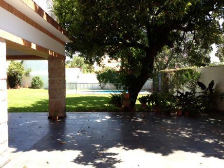 Vendo Residencia En Barrio Herrera