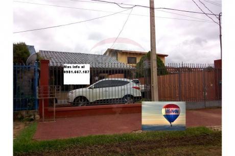 Vendo Coqueta Casa En San Lorenzo, En Muy Buena Ubicación