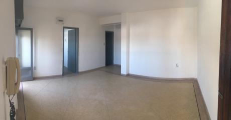 Apartamento, Malvín, PróX. A Rivera E Hipólito Irigoyen.