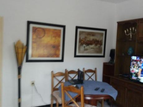 Se Alquila Apartamento En Excelente Zona De Malvin, Muy Cómodo, 2 Dormitorios.