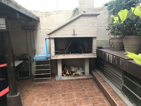 Apartamento En Corazon De Pocitos Con Patio.
