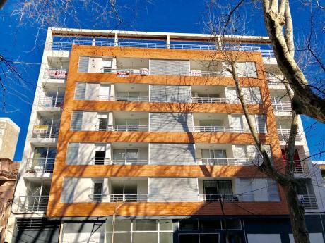 Venta Apartamento 2 Dormitorios, A Estrenar En Centro Sur!