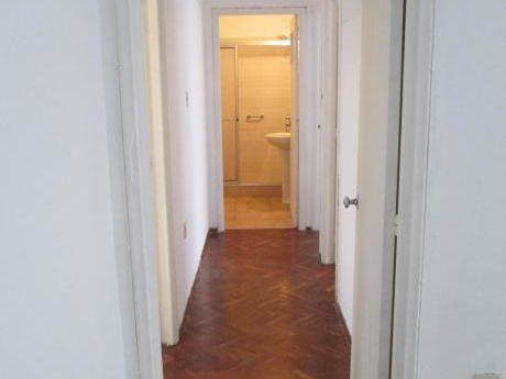 Apartamento 2 Dormitorios. Goes. 1 Por Piso.