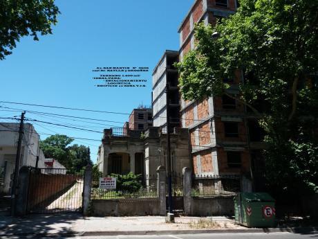 U124217 450.000= Terreno Ideal Parking Ó Edificio Zona Vis