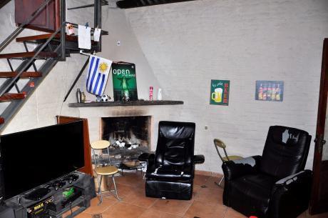 Moderna Casa Con Azotea Y Parrillero