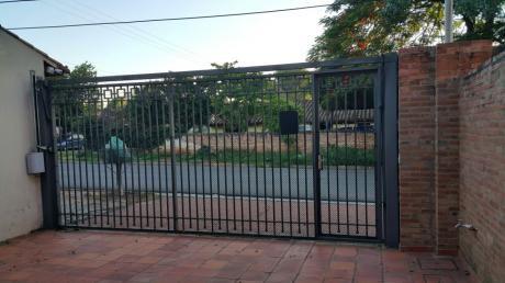 Alquilo Duplex Amplio De 3 Habitaciones En Fdo De La Mora A Metros Trafopar