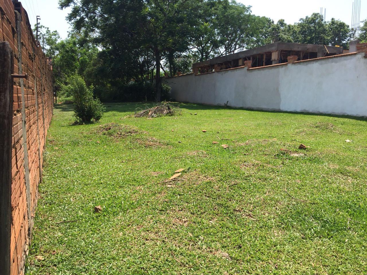 Ideal Terreno En Zona Bourbon Villa Jardin Luque
